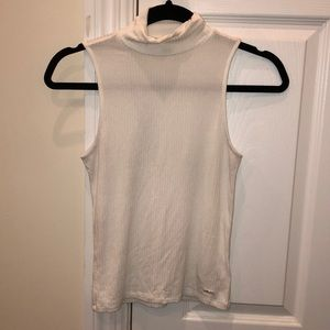 Guess turtle neck tank top in white size xs